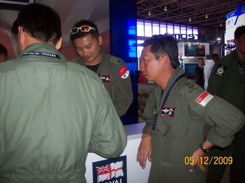 Laporan Pameran Udara dan Maritim Antarabangsa Langkawi 2009 - Page 2 100_0784