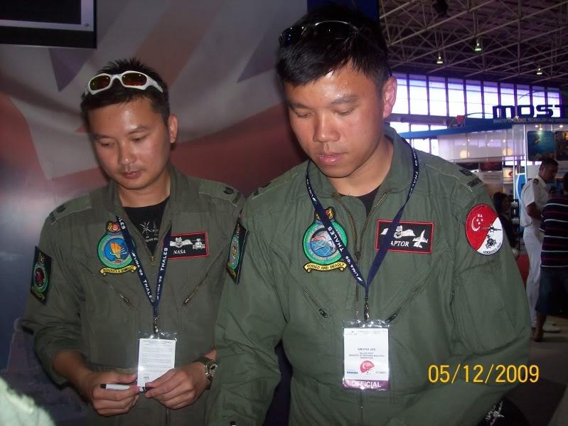 Laporan Pameran Udara dan Maritim Antarabangsa Langkawi 2009 - Page 2 100_0785