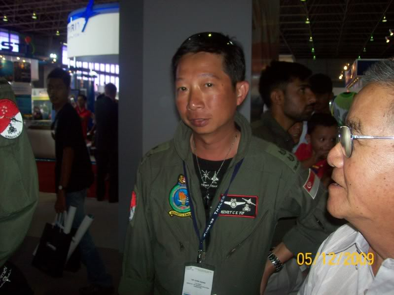 Laporan Pameran Udara dan Maritim Antarabangsa Langkawi 2009 - Page 2 100_0786