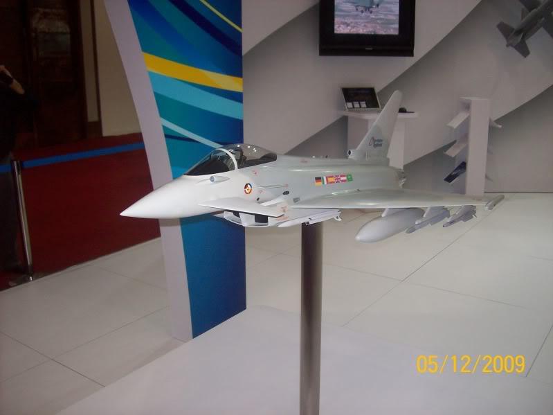 Laporan Pameran Udara dan Maritim Antarabangsa Langkawi 2009 - Page 2 100_0825