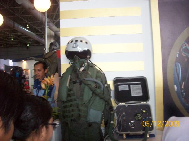 Laporan Pameran Udara dan Maritim Antarabangsa Langkawi 2009 - Page 2 100_0839