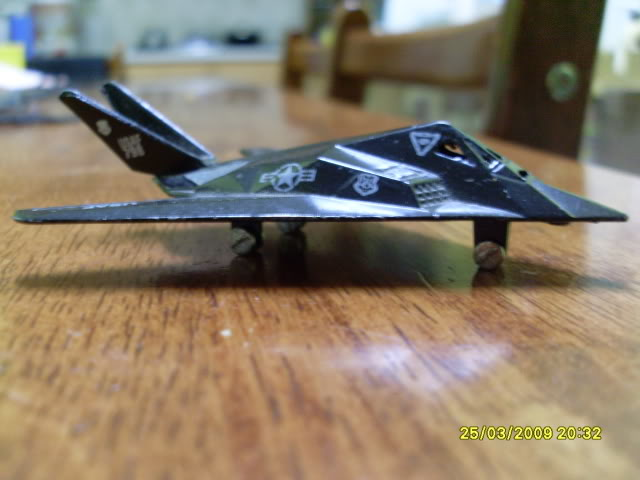 1:72 Scale Aircraft Model (Kits and Diecast) - Page 3 SL370259