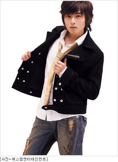 معلومات عامة عن الفرقة الكورية super junior RyeoWook01