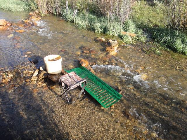 Colorado -- Cache Creek Sluicing with Ron -- 8 June 2016 DSC08639_zpsnwbfjbtn