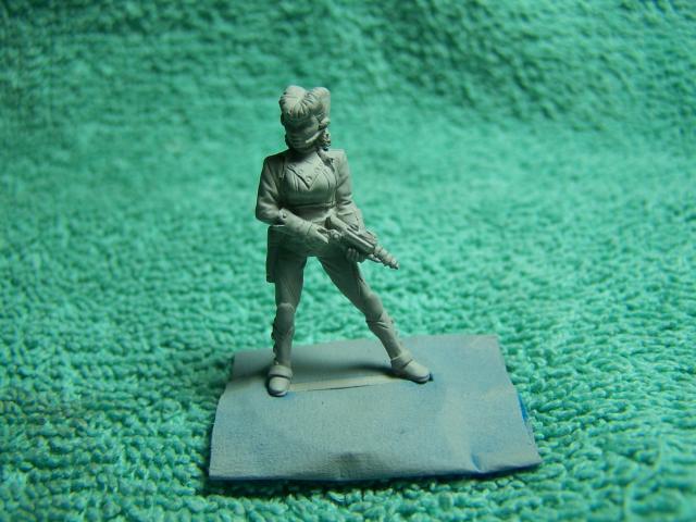 "33002 - Lancer (Lancer Faction) Plugger #1 (Female Lancer Crew Mate) – Bombshell Miniatures ""Counterblast"" 32mm Pewter (metal) figure Lancerwithprimer1_zps84761f76"