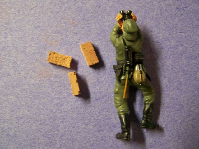 Juweela Clay Bricks in 1/35th Scale ClayBrickswithfigure_zpsc0af606d