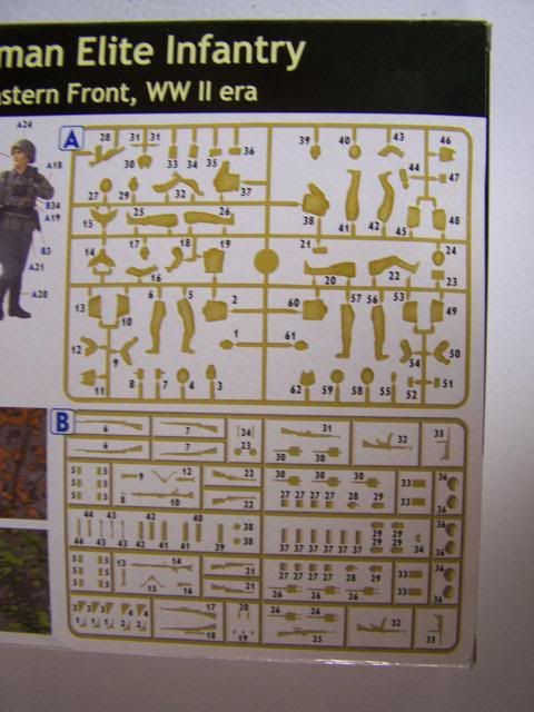 German Elite Infantry – Eastern Front WW-II era in 1/35th Scale, Kit # MB3583 GermanEliteInfantryspruebreakdown_zps368c289c