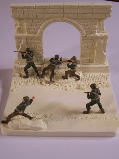 MoDio European Arch with Base Kit # BM-004  BasewithUSsoldiers