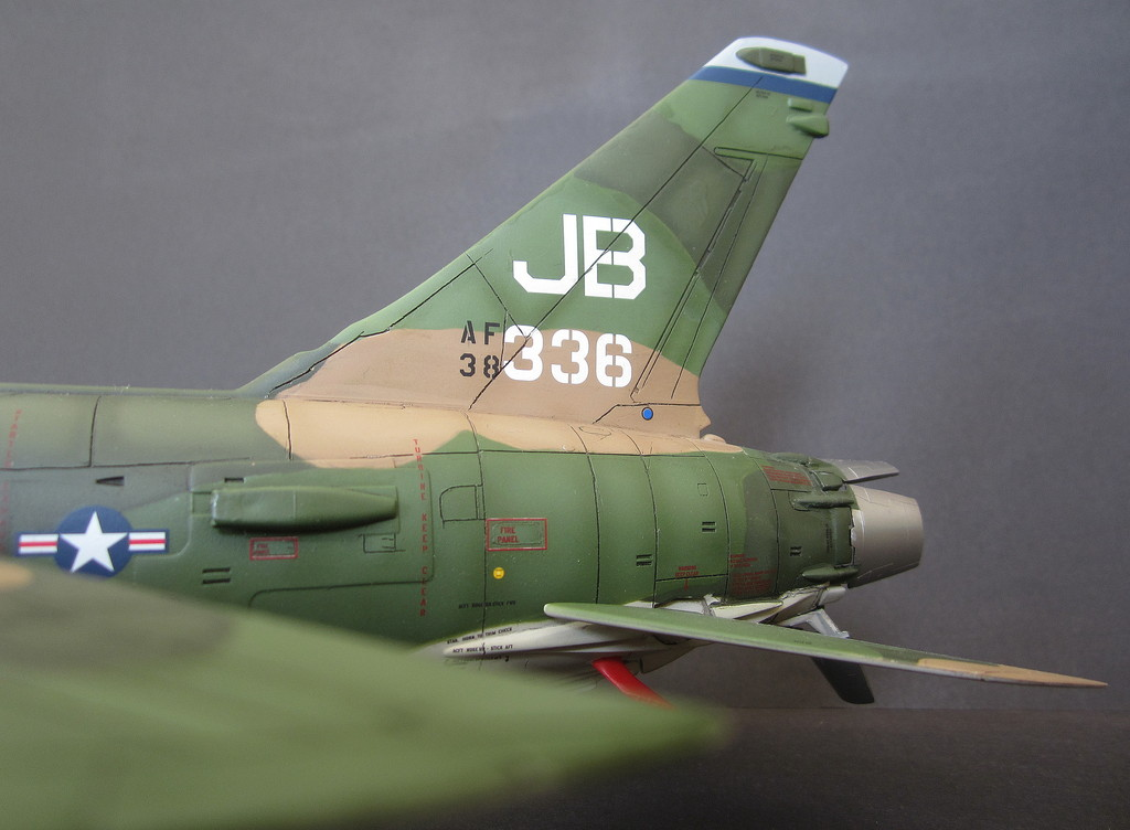 F-105G Thunderchief - Revell 1:48 - Page 2 IMG_3137c
