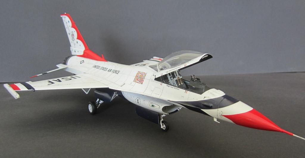 """""""Thunderbirds"""" F16C Block 52 IMG_3131c"""
