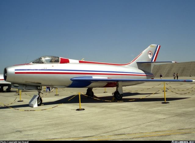 Dassault MD-454 Mystere IV A ''Patrouille de France'' (Revell 1:72) 0305380