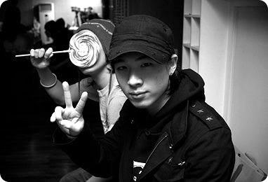 BIG BANG [Un grupo de idols no nace del talento, sino del esfuerzo - G-Dragon, líder] 65_02558_i787574
