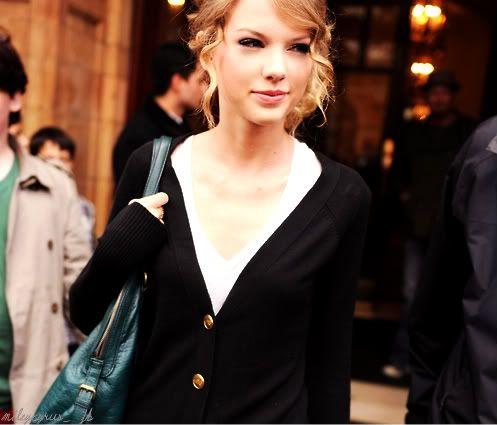 Taylor Swift - Page 4 Tumblr_l60vv1kOyt1qzk410o1_500