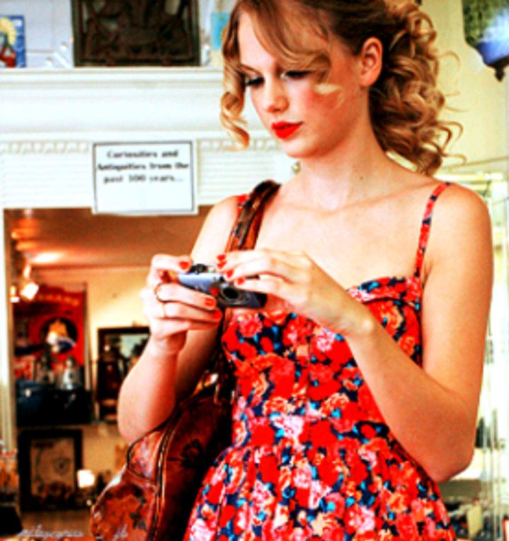 Taylor Swift - Page 4 Tumblr_ld31t2ocPF1qfr4xbo1_1280
