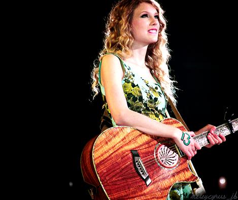 Taylor Swift - Page 4 Tumblr_ldt3s7FbVW1qbgeafo1_500