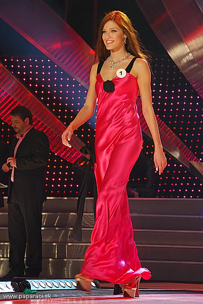 Lea Sindlerova (SLOVAK REPUBLIC EARTH and INTERCONTINENTAL 2009) MISSUNIVERSE2009_0023