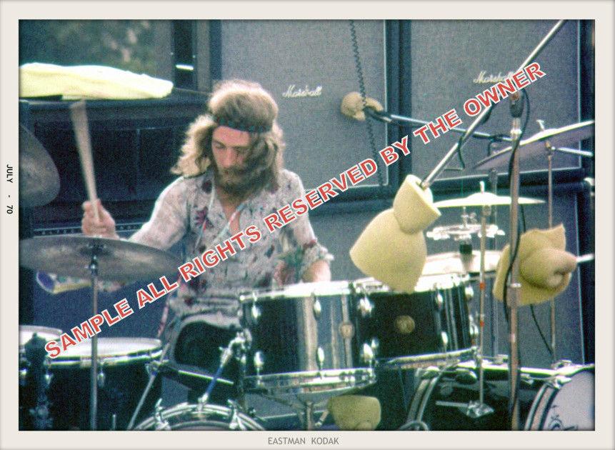 Maui (Haleakala Crater) : 30 juillet 1970 [Second concert] E33bbe4bf439f74aa94a5ba3391a302f