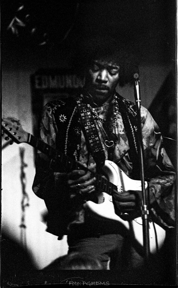 Hogbo (Popladan) : 8 septembre 1967 [Second concert]  E81ab3681a97a77b6015b85eb90f0f6c
