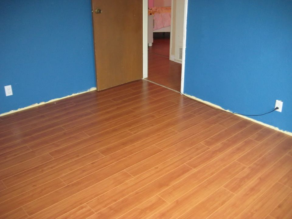 Paint & Laminate Flooring IMG_0581