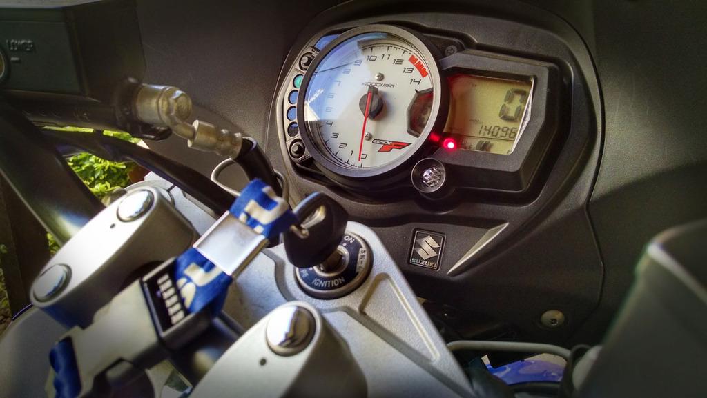 Compra GSX650F Algumas duvidas e moto com 30mil Km é fria? - Página 2 3_zpsqg24dqtx