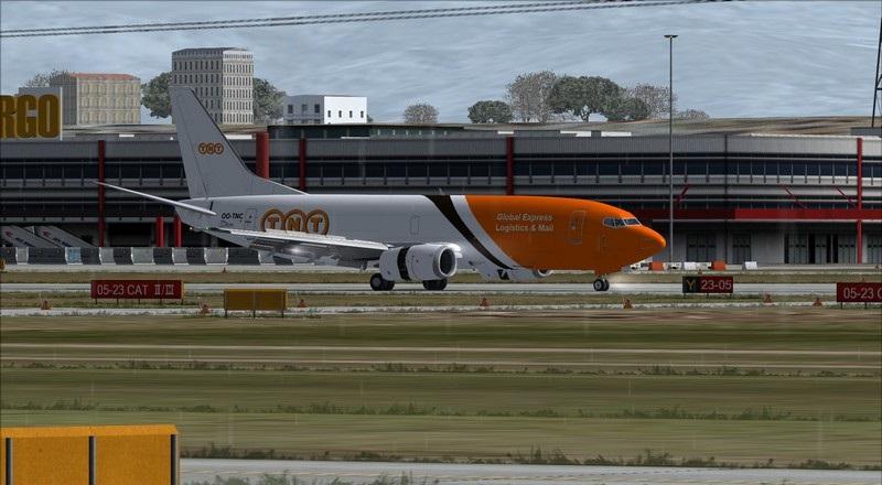 Liège (EBLG) - Genebra (LSGG): Boeing 737-300SF TNT  Avs_2711_zpsanx6p8vk