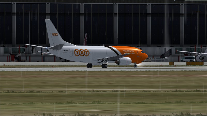 Liège (EBLG) - Genebra (LSGG): Boeing 737-300SF TNT  Avs_2716_zpsttezzkre