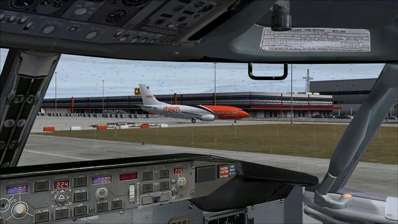 Liège (EBLG) - Genebra (LSGG): Boeing 737-300SF TNT  Avs_2722_zps2a47l2u4