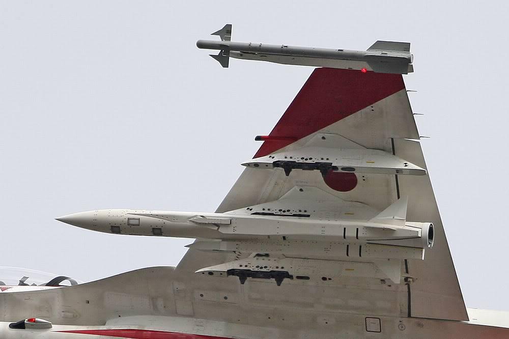 اقوى 5 صواريخ مضاده للسفن في العالم  F2A_501_ADTW_081110-2