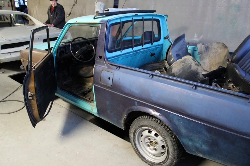 "kikarikoiso: Toyota ""tonninen"" + Mercs IMG_0121_zps88f0ac92"