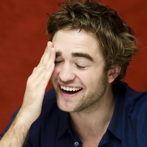 Robert Pattinson: Tema Principal - Página 5 Presssmile