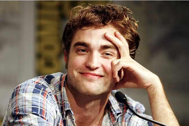 Robert Pattinson: Tema Principal - Página 5 Smirk3
