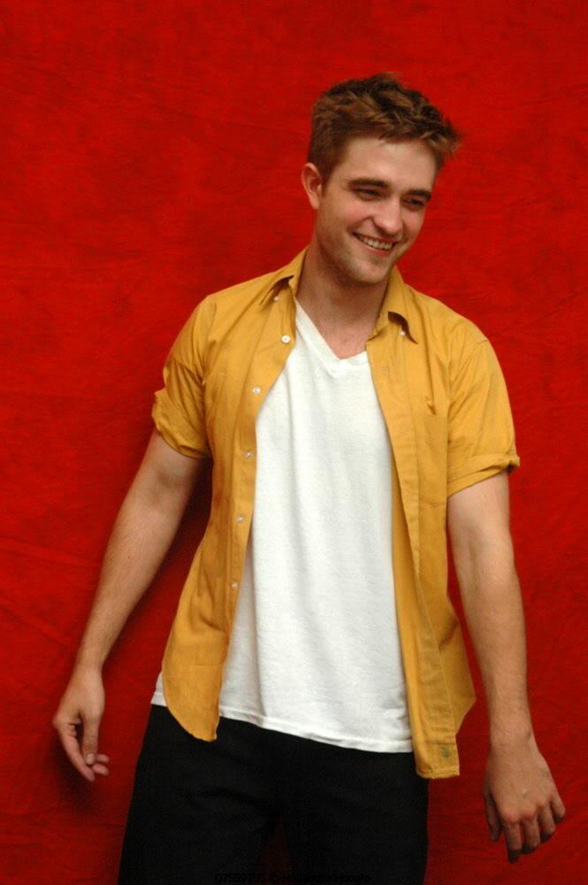 Robert Pattinson - Página 34 Mustard3