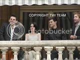 Robert Pattinson, Kristen Stewart , Taylor Lautner et Chris Weitz, à Paris, le 10 Novembre 2009... - Page 4 Th__ROBKRISTENPARIS10NOV032Bjpg_-1