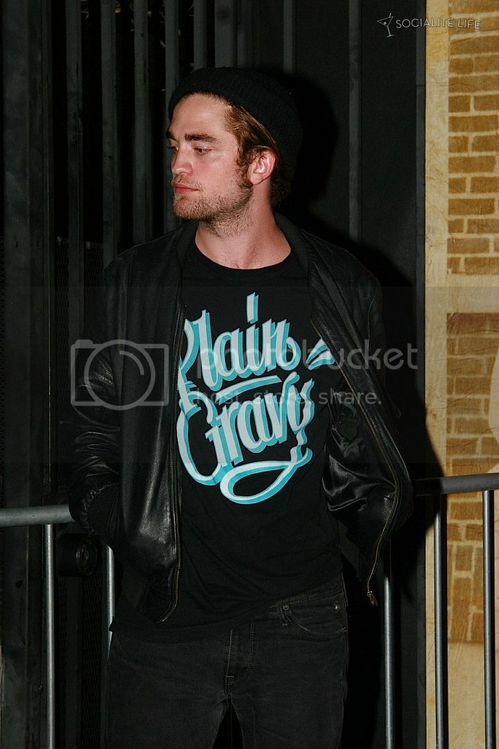 TMobile Launch Party - Août. 2008 Gallery_enlarged-robert-pattinson-t