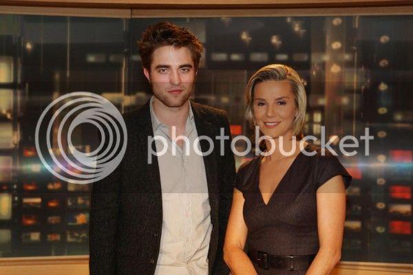 Robert Pattinson, Kristen Stewart , Taylor Lautner et Chris Weitz, à Paris, le 10 Novembre 2009... - Page 4 Journal_002