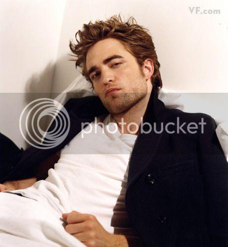 Vanity Fair - 2009 - Page 2 Pattinson-D-0912-07