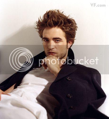 Vanity Fair - 2009 - Page 2 Pattinson-D-0912-08