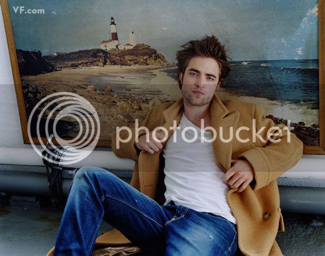 Vanity Fair - 2009 - Page 2 Pattinson-E-0912-02