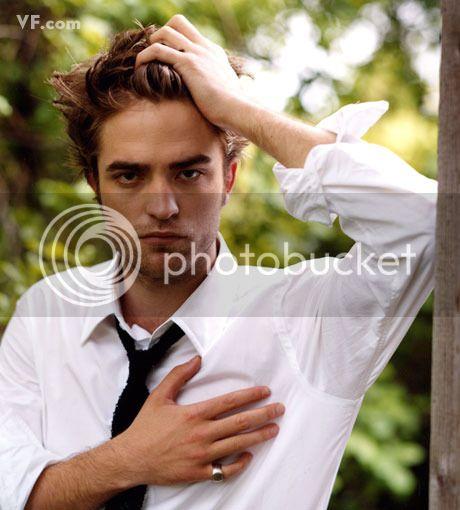Vanity Fair - 2009 - Page 2 Pattinson-E-0912-13