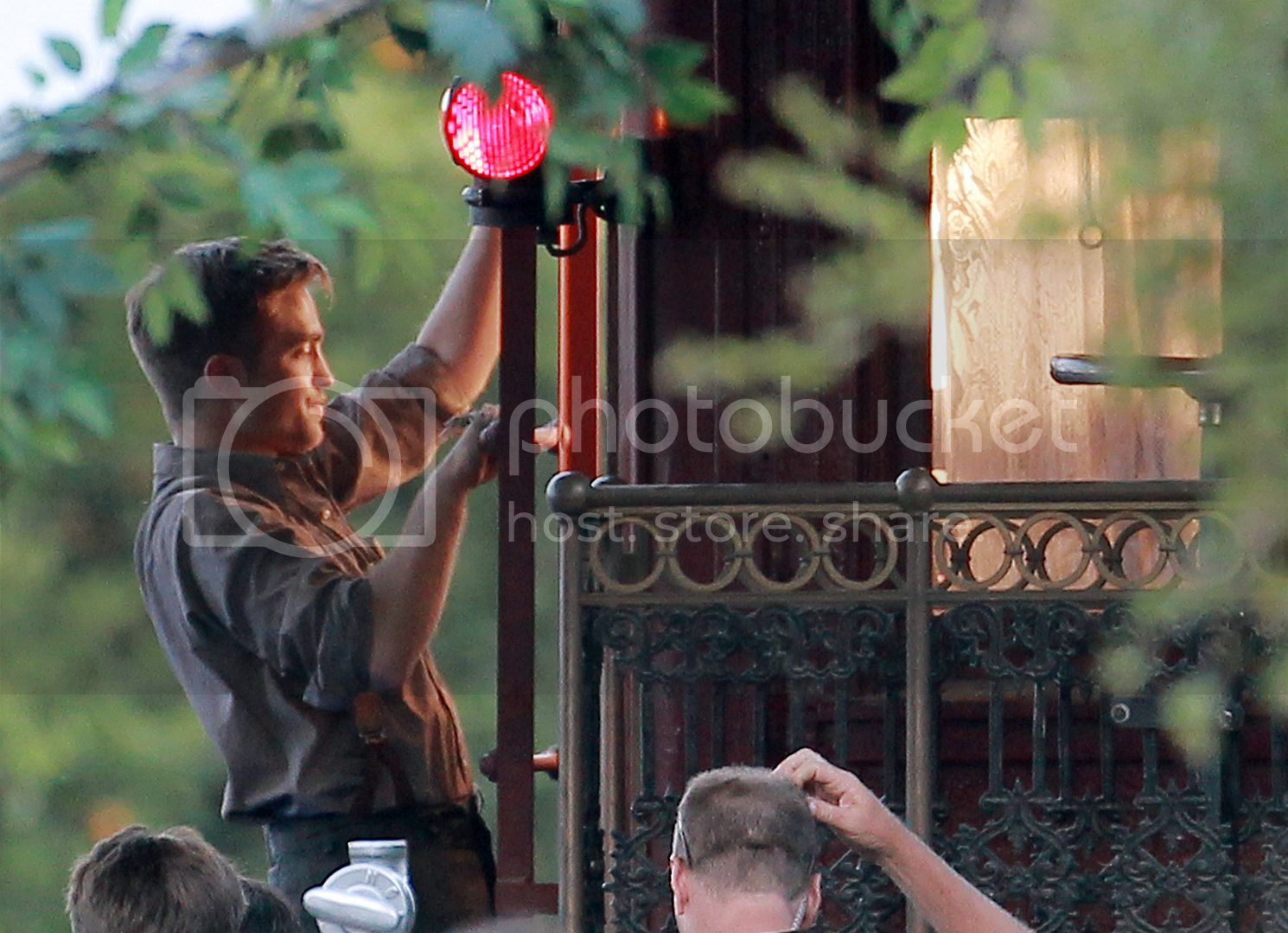 Water for Elephants : Photos  + Vidéos du tournage... - Page 4 FP_5175265_Pattinson_Robert_COQ_060