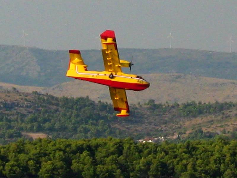 Avioane cisternă (pompieri) - Pagina 2 Img_03