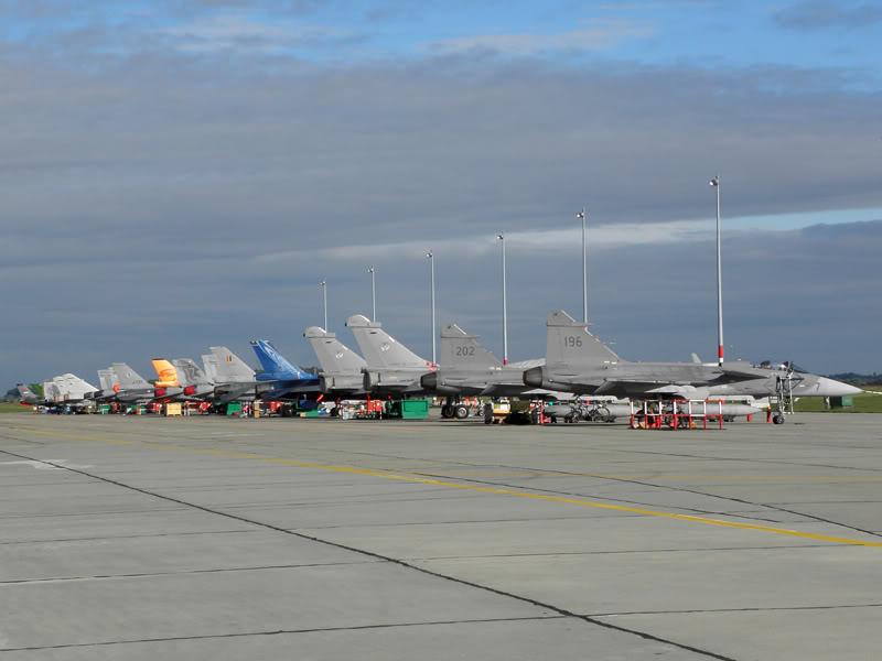 Kecskemét AirShow 2010 - POZE - Pagina 5 080115