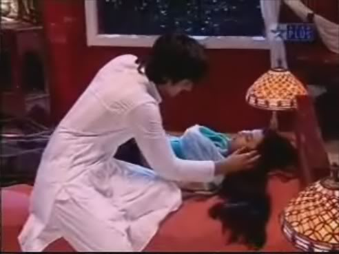 **DESH Picture Gallery:No Comments** 67_prem_talks_to_heer_while_she_-1
