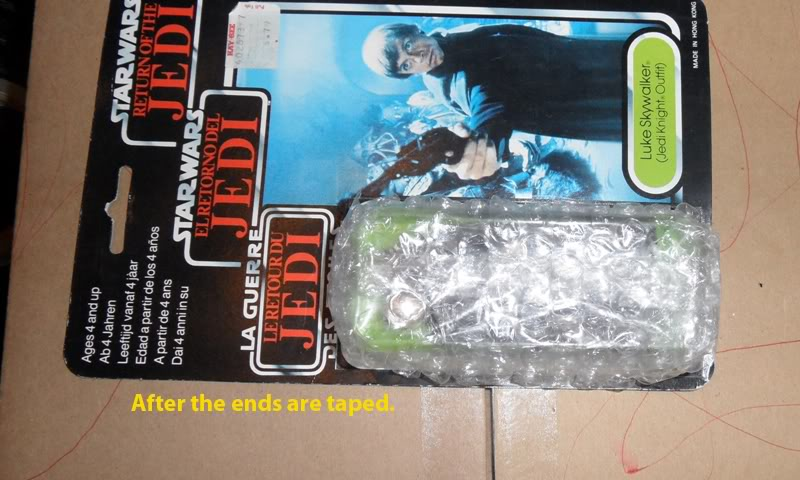 Picture Guide 1 - How to Pack a Vintage Star Wars MOC safely and protect the bubble using the starcase method (Pic Heavy) PackingaMOC11TIG
