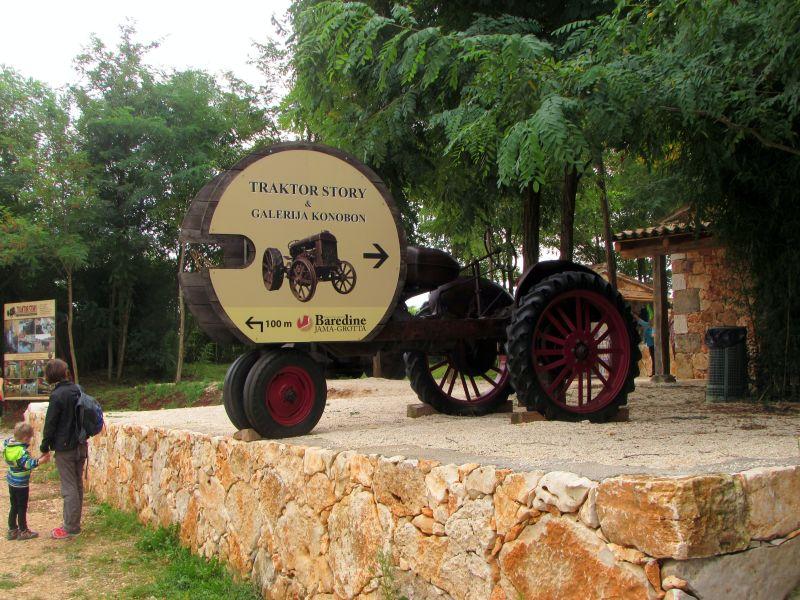 Traktor story – muzej traktora kod porečke Nove Vasi TractorStory002