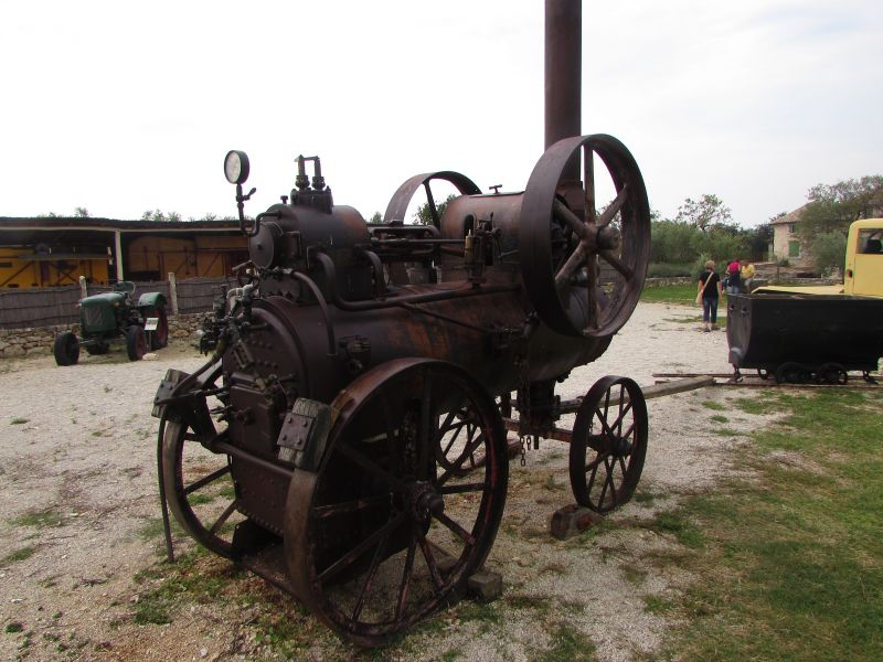 Traktor story – muzej traktora kod porečke Nove Vasi TractorStory008