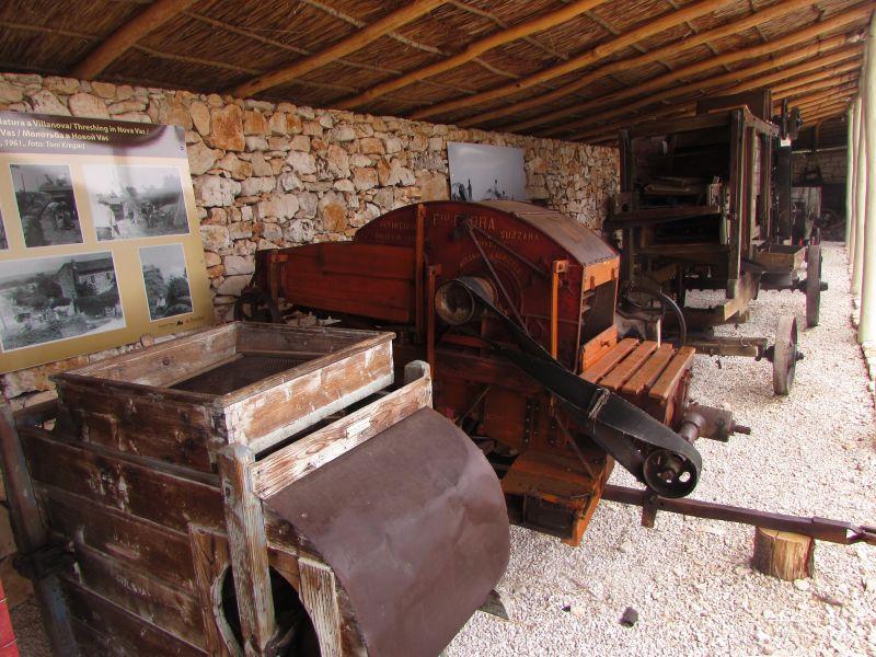 Traktor story – muzej traktora kod porečke Nove Vasi TractorStory016