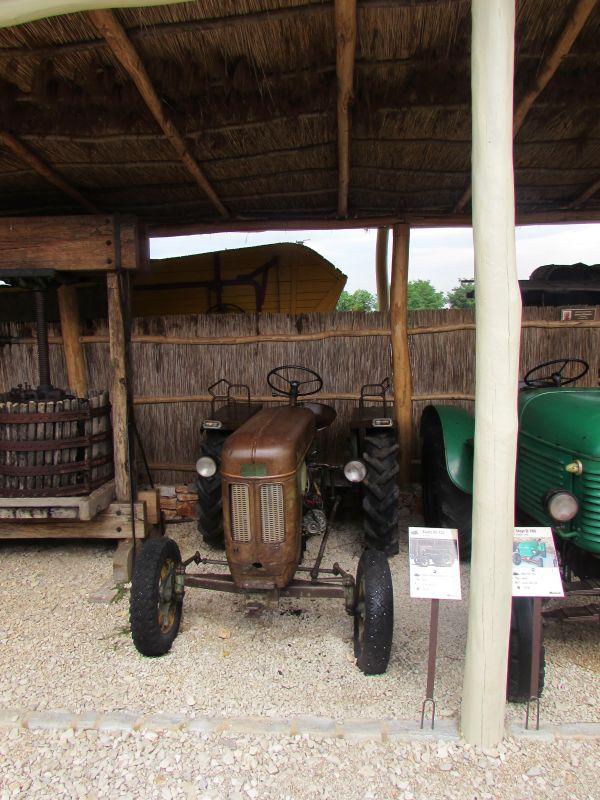 Traktor story – muzej traktora kod porečke Nove Vasi TractorStory025