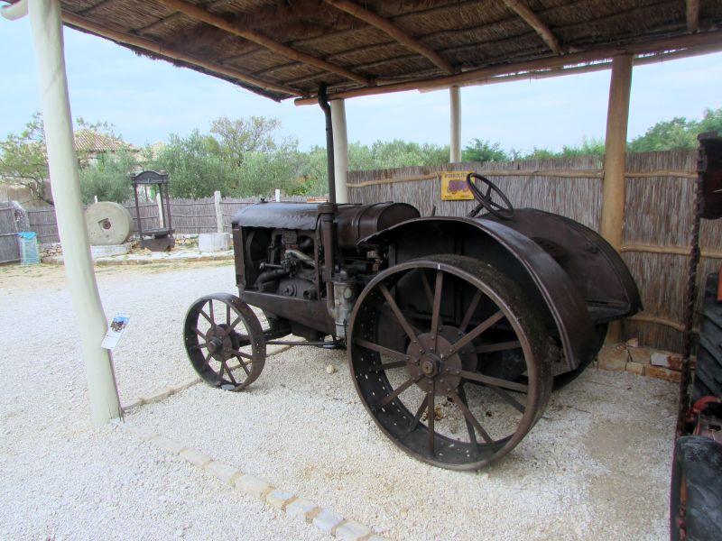 Traktor story – muzej traktora kod porečke Nove Vasi TractorStory035