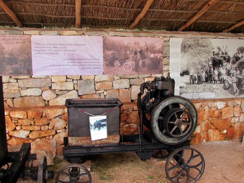 Traktor story – muzej traktora kod porečke Nove Vasi TractorStory038